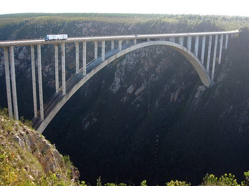 20-amazing-places-to-bungee-jump02