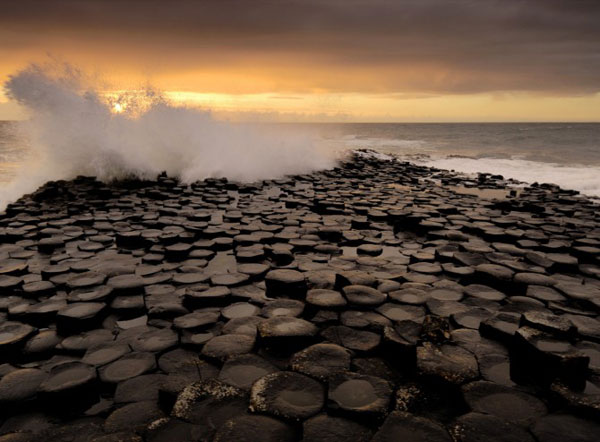 Giants_Causeway_Ireland2-670x494