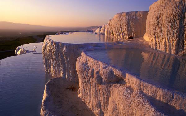 pamukkale 2c denizli 2c turkey size 600x375 Soothing Baths in Pamukkale Hot Springs, Turkey