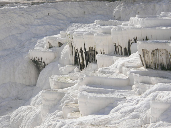 pamukkale landscape Soothing Baths in Pamukkale Hot Springs, Turkey