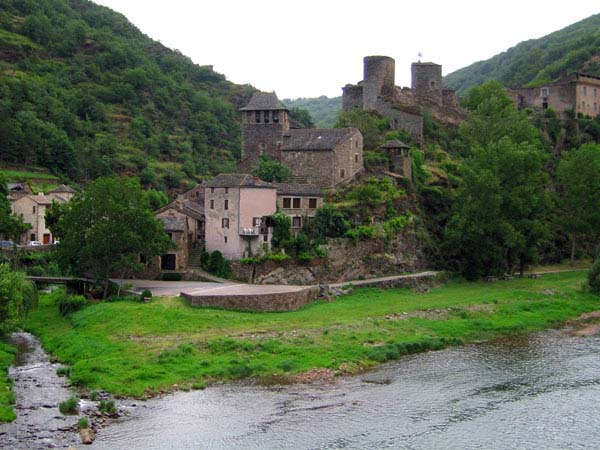 view-village-brousse-le-chateau