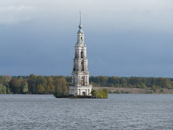 Church under lake Russia Tourism on the Edge02